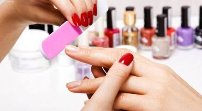 Đọc báo: Kĩ nghệ nail và những vấn đề sức khỏe