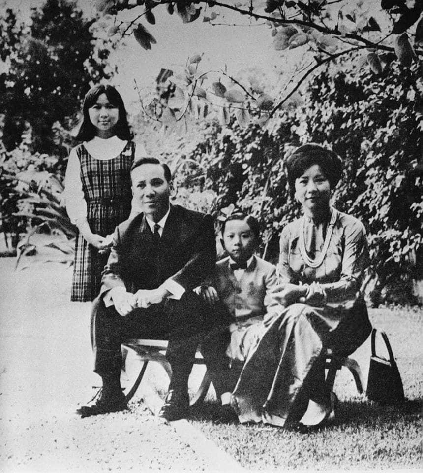Sinh Hoạt và Đời Sống: Đệ nhất phu nhân Nguyễn Thị Mai Anh